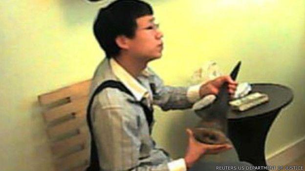 美拍卖行东主走私犀牛角被判三年监禁