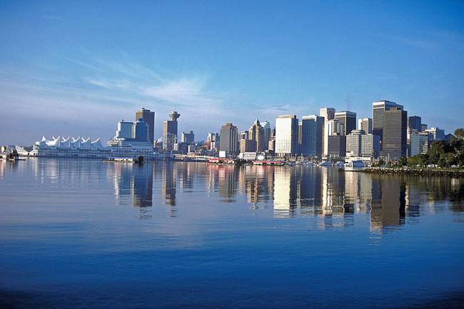加拿大空气质量和食品安全世界第一 可谓顶级奢华。温哥华Vancouver海岸。