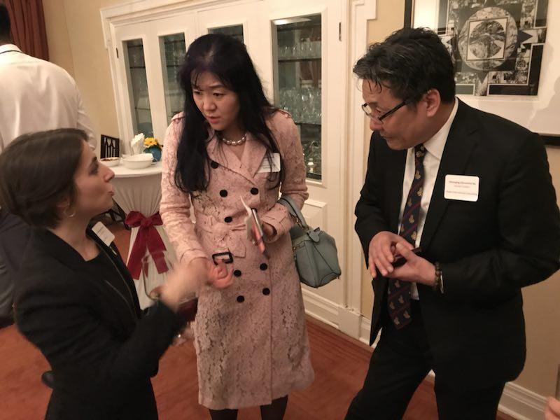 加拿大驻上海副领事,Ms. , 嘉和国际 Mr. Hu 和 东尚科技 高管 Ms. Sun