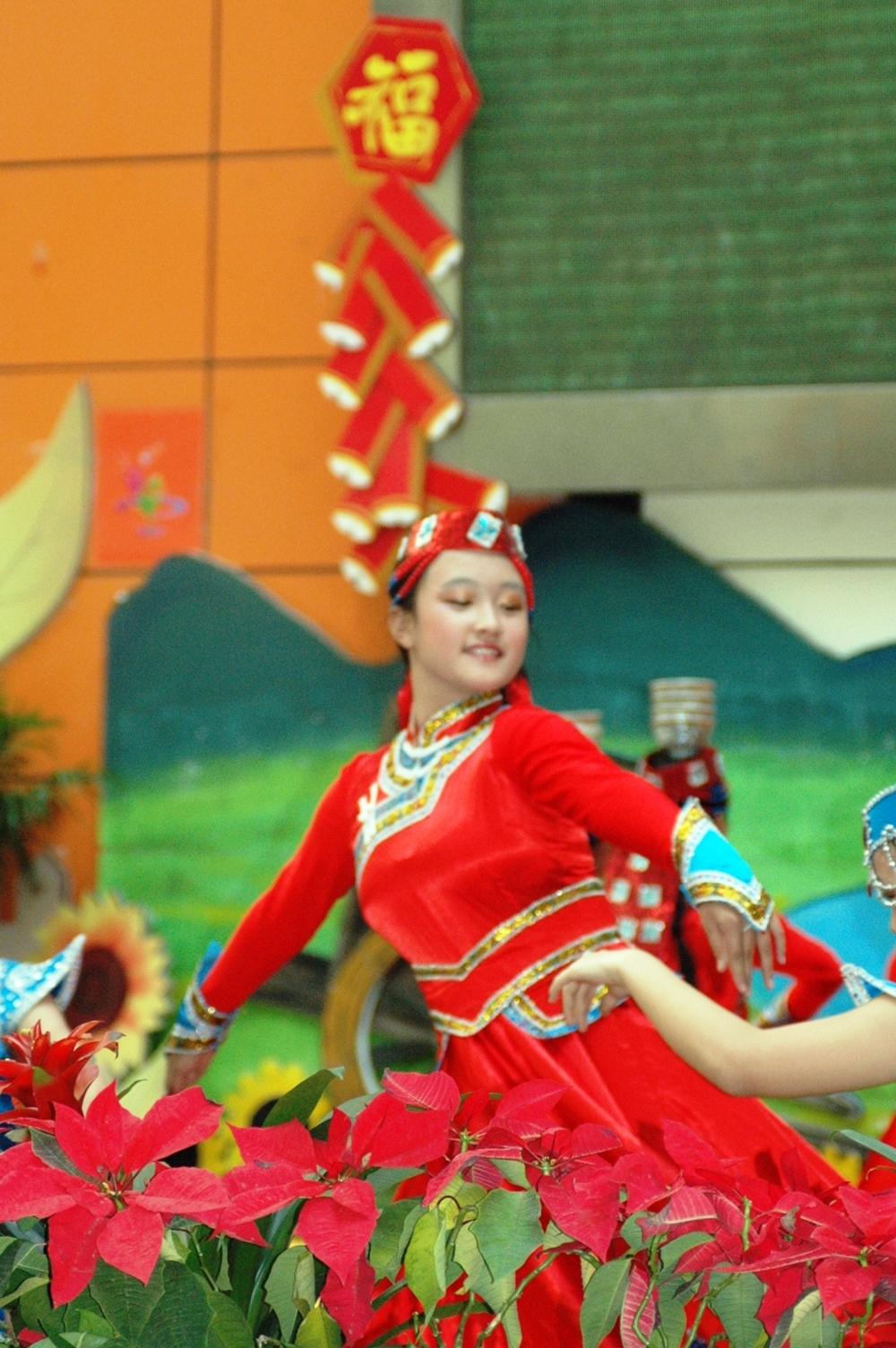 蒙古小姑娘的献酒舞